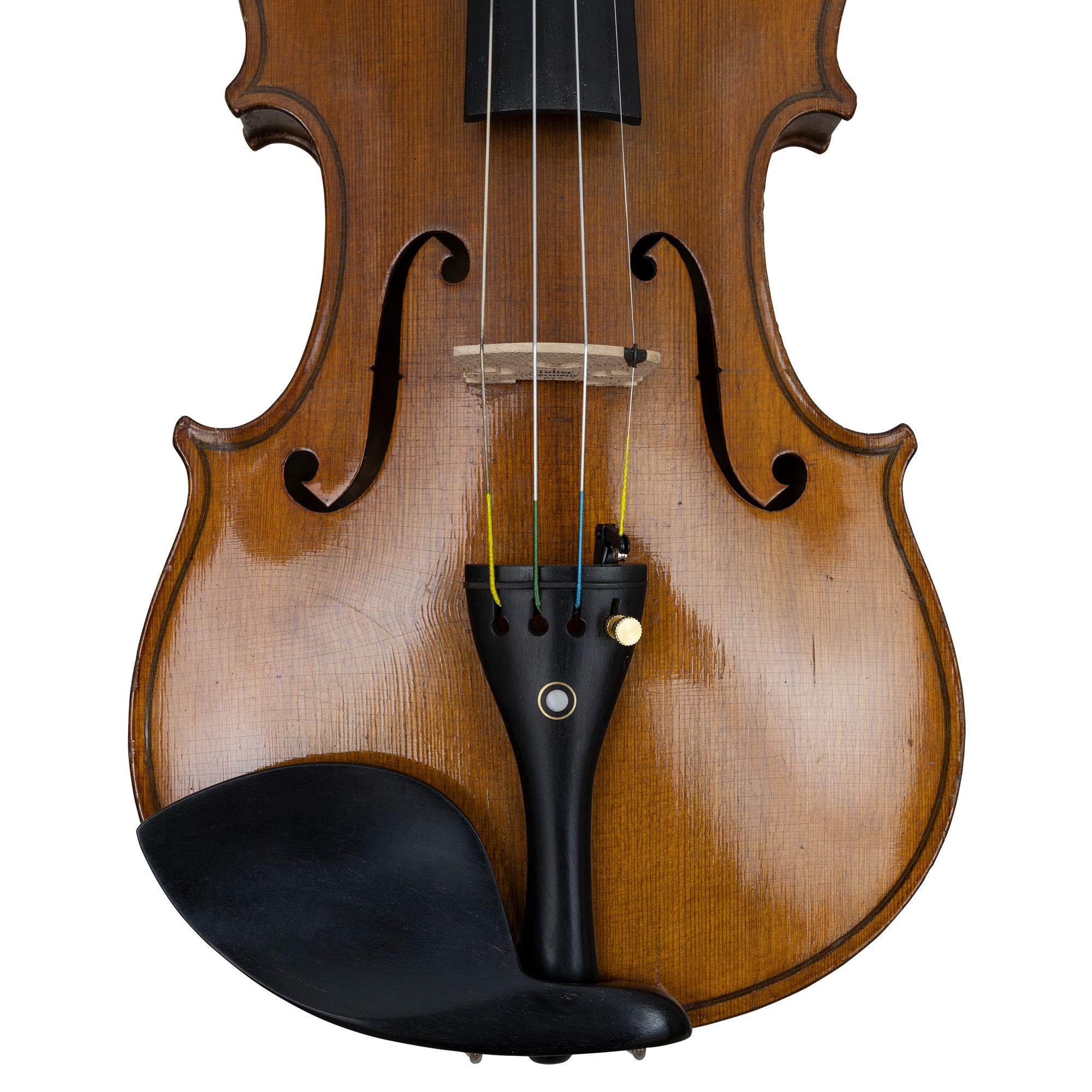 Eduard Reichert 1913 Violin in action