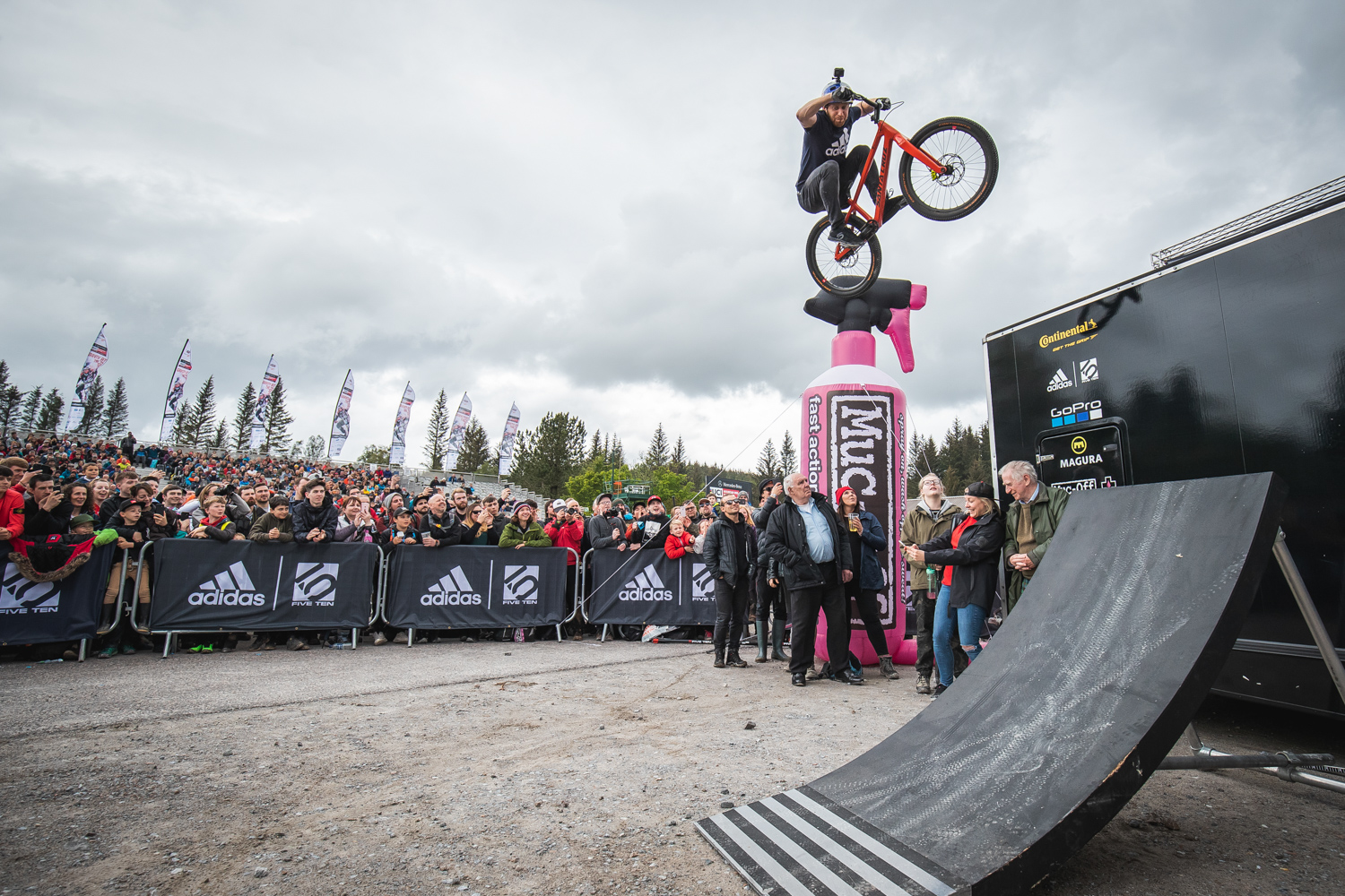 Danny MacAskill's Drop And Roll Tour - Lifestyle image 3
