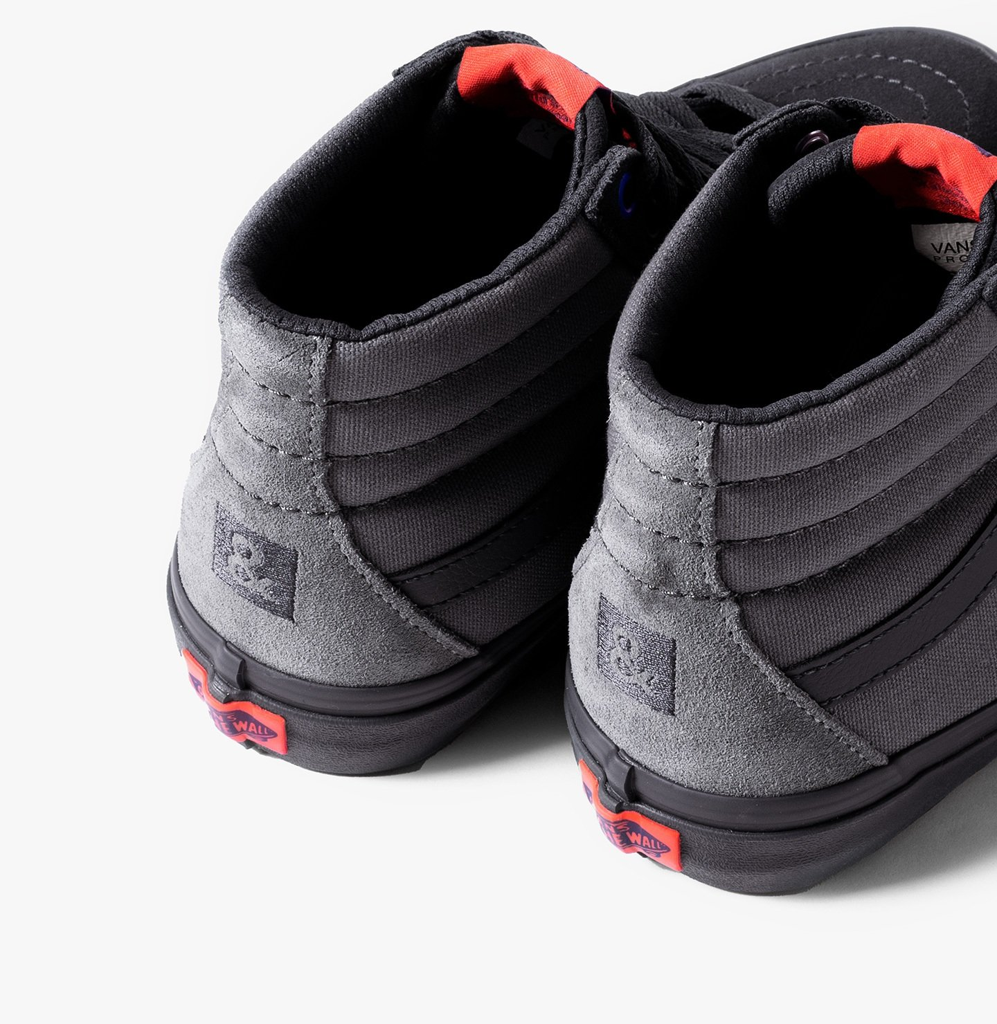 Vulcanized lugged outsole for increased traction