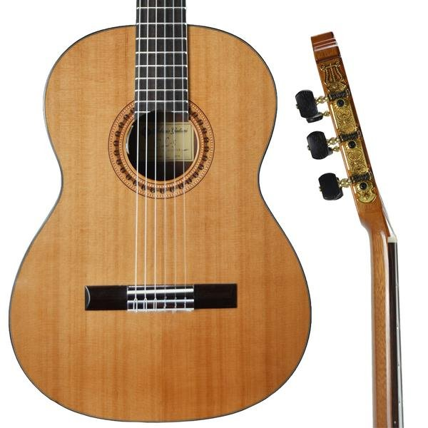 CLEARANCE Antonio Giuliani CL-5P Classical Guitar Outfit with Under-Saddle Piezo Pickup in action