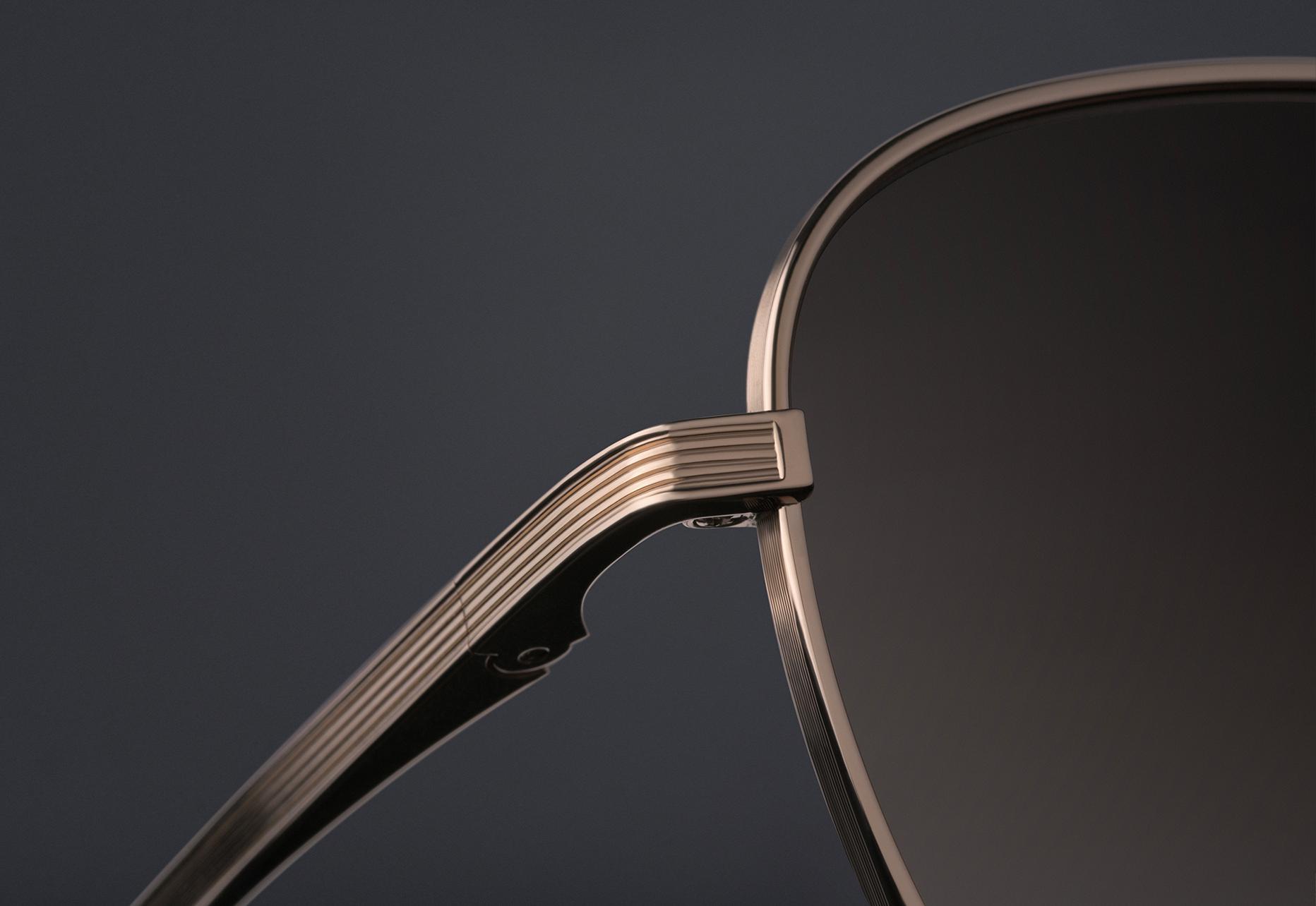 DITA FLIGHT.009 Titanium lens rim with fine line detail
