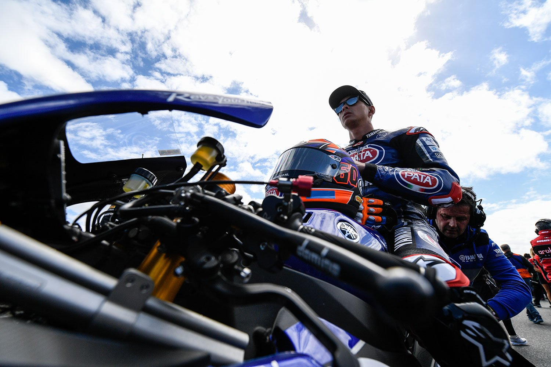 PATA Yamaha Official WorldSBK Team with Rizla - Lifestyle image 2