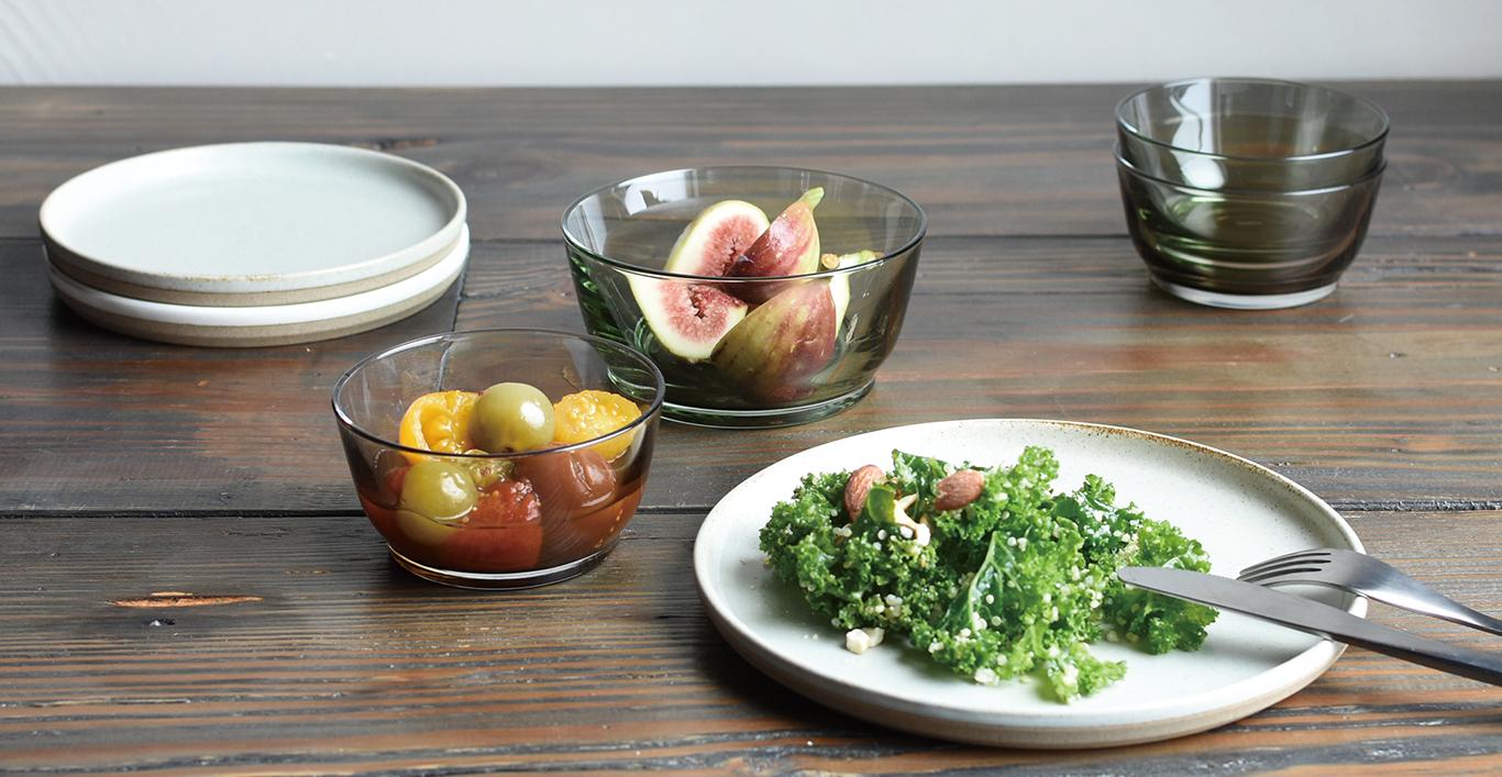 HIBI bowls with fruits