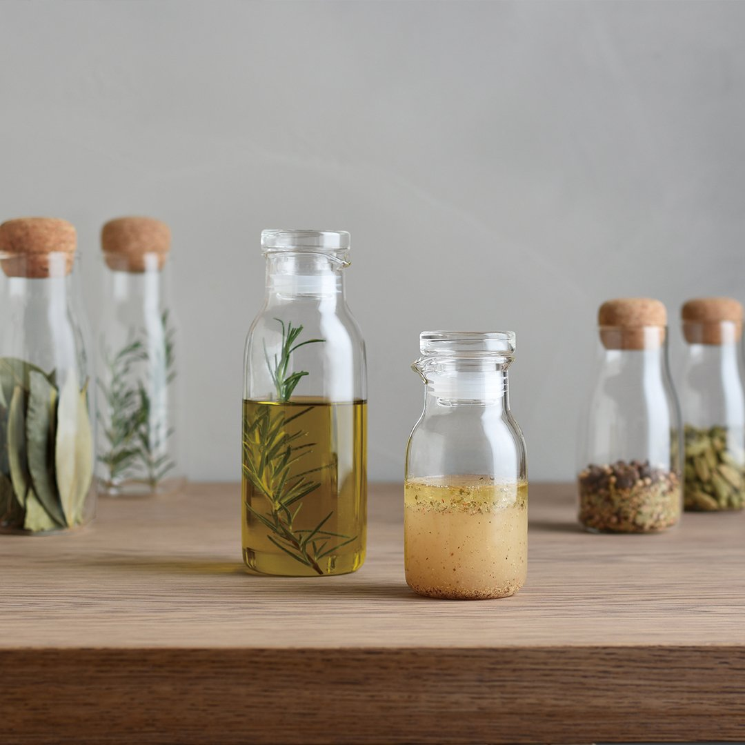 BOTTLIT dressing bottles in 130ml and 250ml with various oils inside